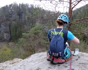 Ein witziger Schnappschuss auf dem Gipfel, es läuft sozusagen beim Klettern