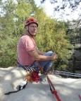Auf dem Laasenturm – der Blick zur Abseilöse verrät, dass hier gleich zwei Seilschaften toprope klettern
