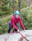 Almuth - unsere Heldin des Wochenendes - an der Abseilöse des Grünen Steins