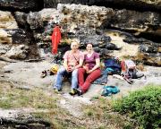 Nach dem Kletterspaß die verdiente Erfrischung im Basislager