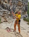 Abziehen des Seiles nach der 25m-Abseile von der Feldwand