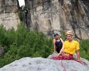 Auf dem Gipfel der Klamotte vor dem Massiv des Pfaffensteins