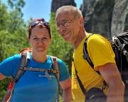 Familienfoto, entstanden bei der Wanderung zum dritten Kletterziel