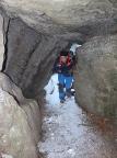 Eine von mehreren Felsdurchbrüchen, die auf- und abwärts begangen werden müssen