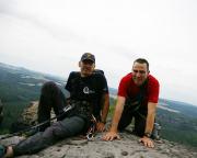Wenn der Puls dann wieder runter ist, bleibt sogar Zeit für ein Gipfelfoto.