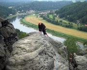 Die fast gleiche Position, nur wenige Meter höher und aus der Sicht vom Gipfel.