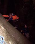 Auch den dritten Gipfel klettern wir zu viert an einem Seil, Wiese und Fechi im Einstieg