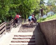 Spremberg, wohl wirklich eine reiche Stadt - Treppen auf dem Spreeradweg