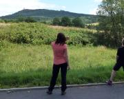 Im tschechischen Krompach - Rückblick auf den Gipfel, den wir soeben verlassen haben.