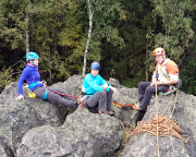 Rübezahlwand, Gipfel, Suchbild. Wo ist der Kletterer ohne Helm?