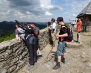 Aussicht vom Hochwald, links hinten die Lausche, der höchste Berg des Zittauer Gebirges.