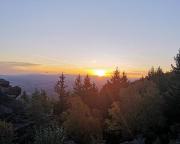 Schluss mit Nacht - Sonnenaufgang über dem Isergebirge,