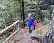 Abstieg hinter dem Berggasthof in Richtung Kleine Felsengasse