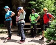 Bereit zum Finale einer tollen Woche – am Einstieg des Nonnenfelsen Klettersteiges
