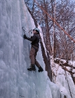 Eisklettern im Bielatal, senkrechte Eisfälle bis 7 m Höhe, ein Genuss