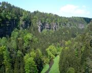 Blick vom Gipfel des Polenztalwächters in das nördliche Polenztal