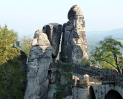 Neurathener Felsentor, hier in der Kulisse der berühmten Basteibrücke