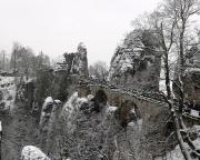 Winterstimmung an einem trüben Januartag an der Basteibrücke