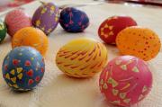 78 - Traditionelles Handbemalen von Ostereiern am Karfreitag