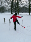 Wenn genug Schnee liegt, geht Langlauf auch in Cottbus: auf den Wiesen bei Zahsow